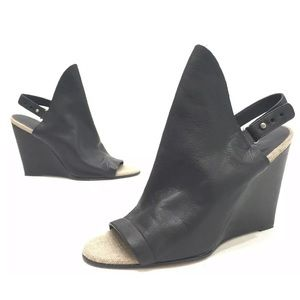 Vince Kostel Womens Black Leather Wedges Size 8.5M